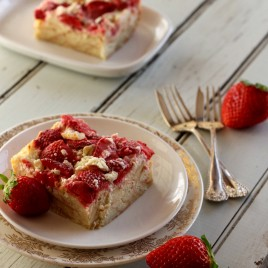 strawberry and cream breakfast bake