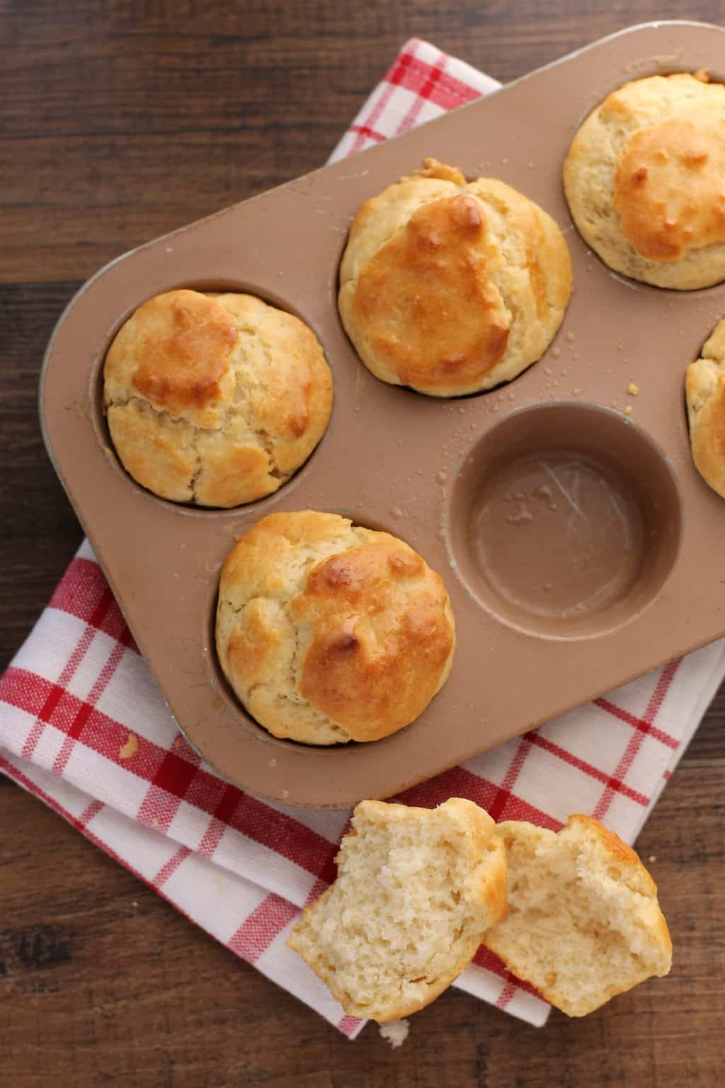 No yeast dinner rolls feast and farm no yeast rolls are so simple its almost too good to be true forumfinder Images