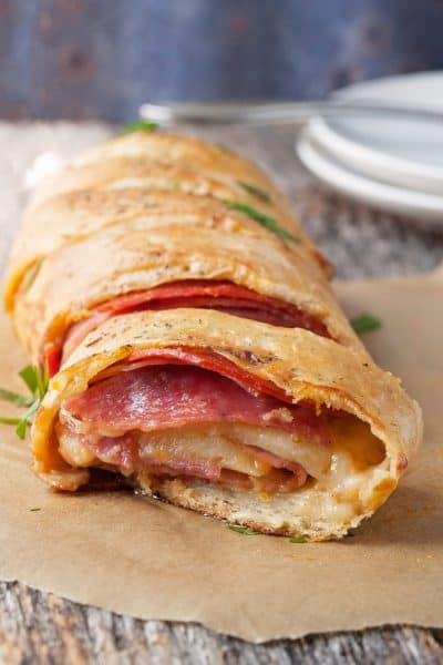 The smell of an Italian eatery is just a half hour away with this easy and filling easy stromboli.