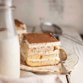 easy tiramisu with pound cake